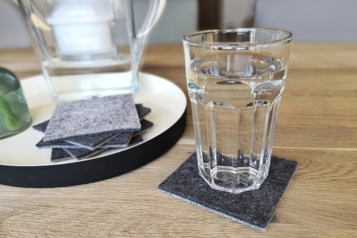 DIY Anleitung für Glas Untersetzer aus Filz. Schnelles DIY, kleine Geschenkidee, DIY Dekoration, Tischdeko