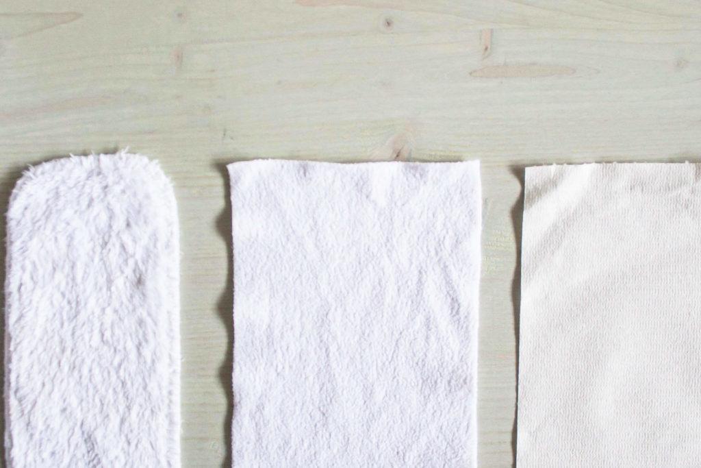 Stoffwindel Erfahrung mit großer Stoffwindel Übersicht. Tipps zu Stoffwindeln kaufen. All in One, Pocket, Prefold Überhose, doppeltes Beinbündchen oder einfaches Bündchen. Vor- und Nachteile von Stoffwindeln. Stoffwindeln erklärt